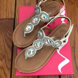 Girls Silver Metallic Sandals with Jewels, Size 4